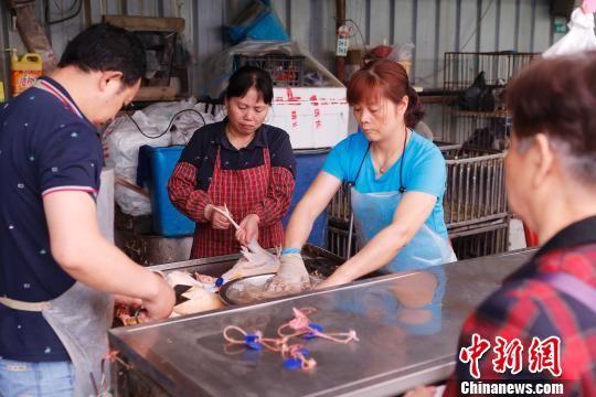 上海恢复活禽交易 117家定点零售交易点开放