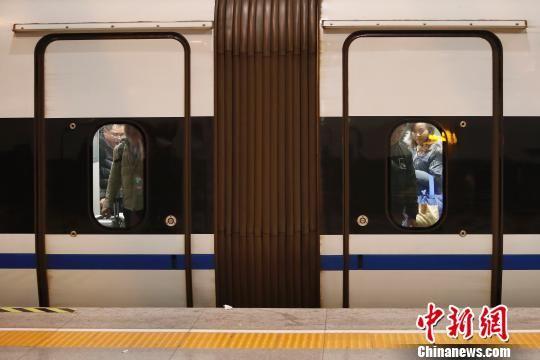 周末长三角铁路春游运输启动 最新平台博彩官网站加大列车开行频次