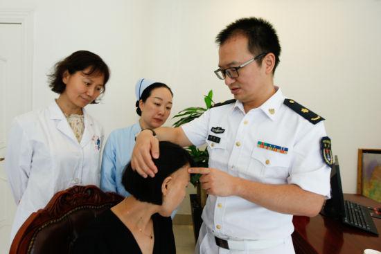 北京快乐8遗漏数据:癌症治疗脱发不用怕__专家:毛发移植可还原美丽模样
