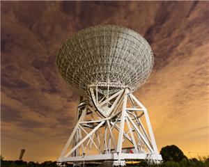 天马望远镜是由中国科学院、上海市政府和我国探月工程专项共同出资建造的具有多种科学用途的65m口径全方位可动的大型射电望远镜,在我国深空探测、天文学研究等方面发挥重要作用。目前正从事谱线、脉冲